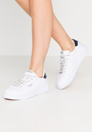 ROXY SUMMER - Sneaker low - white