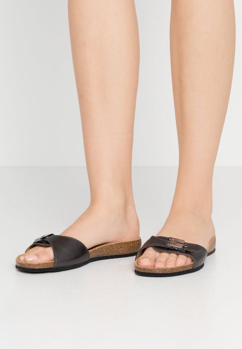 Scholl - BAHAMAIS - Slippers - noir