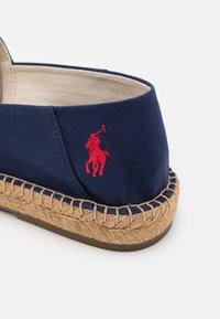 Polo Ralph Lauren - CEVIO SLIP - Espadrilles - newport navy/red - 5