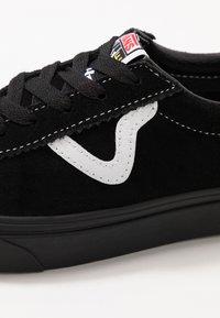 Vans - VANS SPORT UNISEX - Tenisky - black - 6