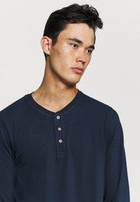 Jack & Jones - JJEJEANS NOOS - T-shirt à manches longues - navy - 3