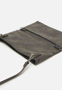 Fritzi aus Preußen - RONJA CROSS - Across body bag - black - 3