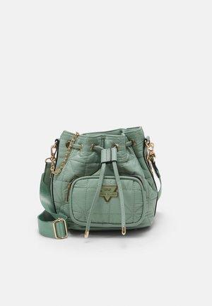 Weekend bag - green light
