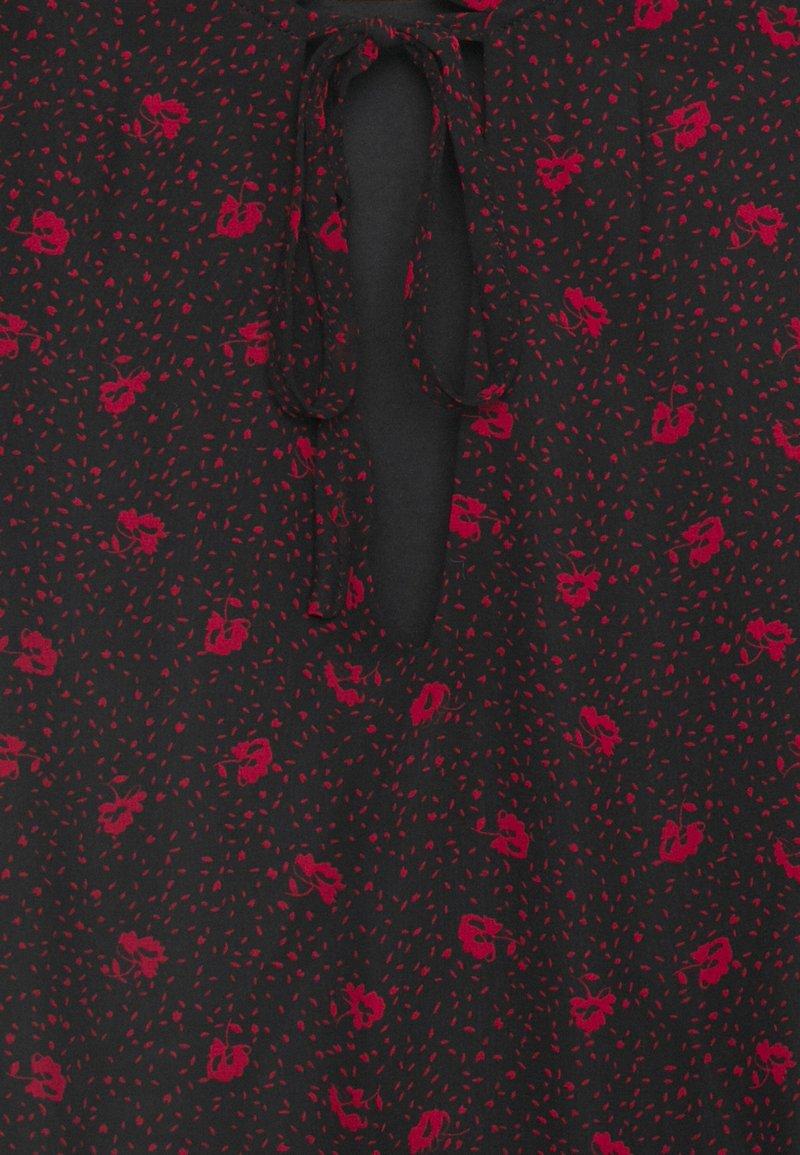 VILA PETITE VIPLISSEAMESY DRESS - Freizeitkleid - black/schwarz IiMu1U