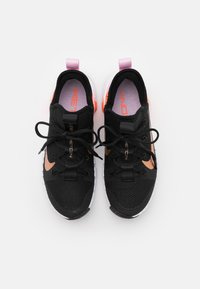 Nike Performance - FREE METCON 3 - Sports shoes - black/metallic copper/light arctic pink/hyper crimson - 3