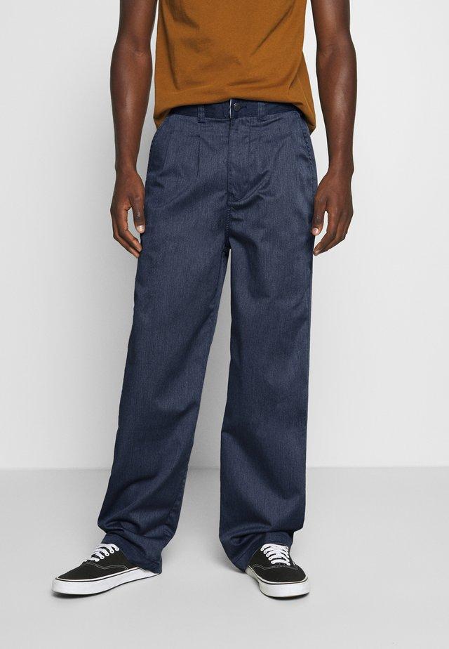 CLARKSTON - Pantalones - blue