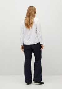 Violeta by Mango - OXFORD - Button-down blouse - wit - 2