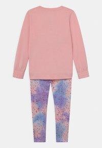 Converse - PRINT FILL CHUCK PATCH SET - Sweatshirt - storm pink - 1