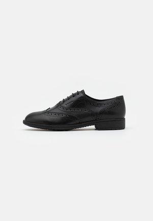 JAYLON - Šněrovací boty - black
