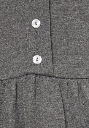VMADAREBECCA SHORT DRESS  - Denní šaty - medium grey melange