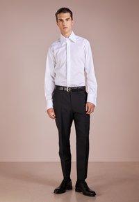 KARL LAGERFELD - Camicia elegante - white - 1