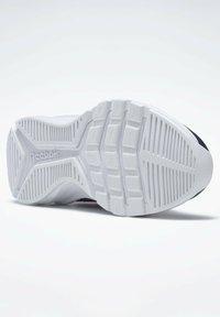 Reebok - XT SPRINTER - Stabilty running shoes - blue - 4