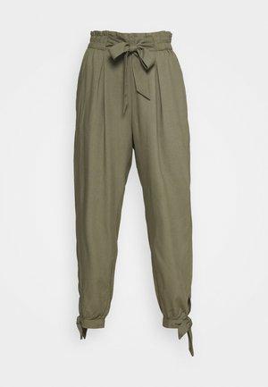 TIE LEG PANTS - Bukse - olive