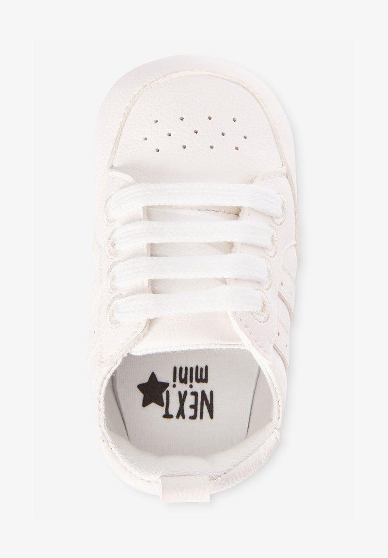 Next - Volnočasové šněrovací boty - white