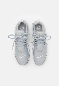 Nike Sportswear - AIR PRESTO - Trainers - light smoke grey/white/black - 3