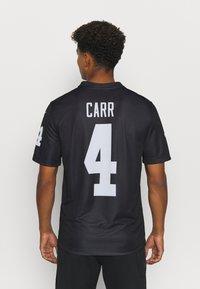 Nike Performance - NFL OAKLAND RAIDERS DEREK CARR LEGEND TEAM COLOUR - Klubové oblečení - black - 2