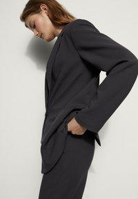 Massimo Dutti - MIT TASCHEN - Blazer - dark grey - 2