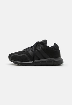 SWIFT RUN X SHOES - Zapatillas - core black