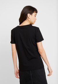 Alpha Industries - NEW BASIC - Print T-shirt - black - 2