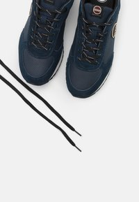 Colmar Originals - TRAVIS DRILL - Sneakers laag - navy - 5