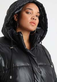 Urban Classics Curvy - LADIES VANISH PUFFER JACKET - Zimní bunda - black - 3