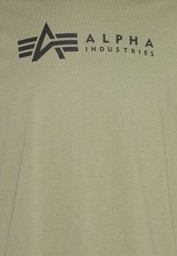 Alpha Industries - ALPHA LABEL 2 PACK - Print T-shirt - olive/burgundy - 0