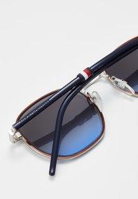 Tommy Hilfiger - Sunglasses - palladium - 5