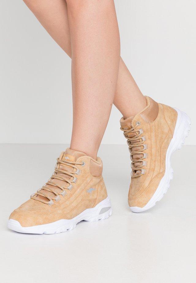 KW-SNUG - Sneakers hoog - beige/vapor grey