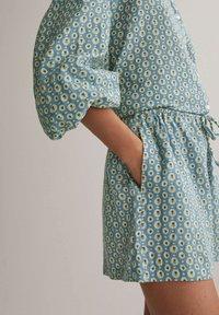 OYSHO - Shorts - blue - 3