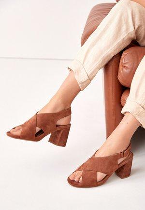 MOTION FLEX - Sandalen met hoge hak - tan