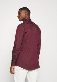 OLYMP No. Six - No. 6 - Koszula biznesowa - bordeaux - 2