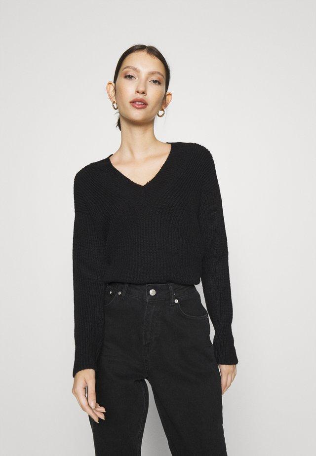 ONLROSE V NECK - Jersey de punto - black