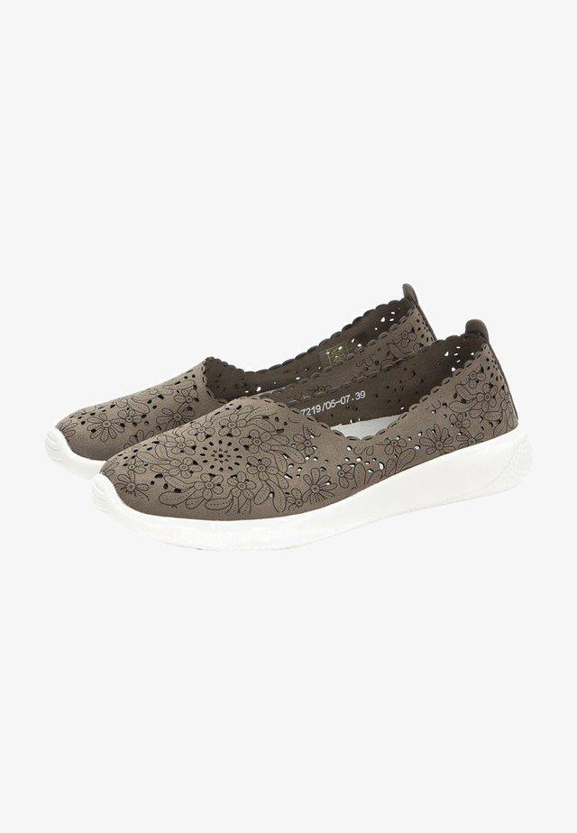 Sneakersy niskie - khaki
