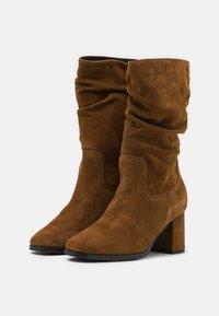 Tamaris - BOOTS - Boots - cognac - 2