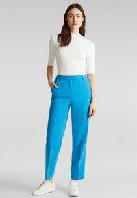 Esprit Collection - SHIMMER MIX + MATCH STRETCH-HOSE - Pantalon classique - dark turquoise - 3