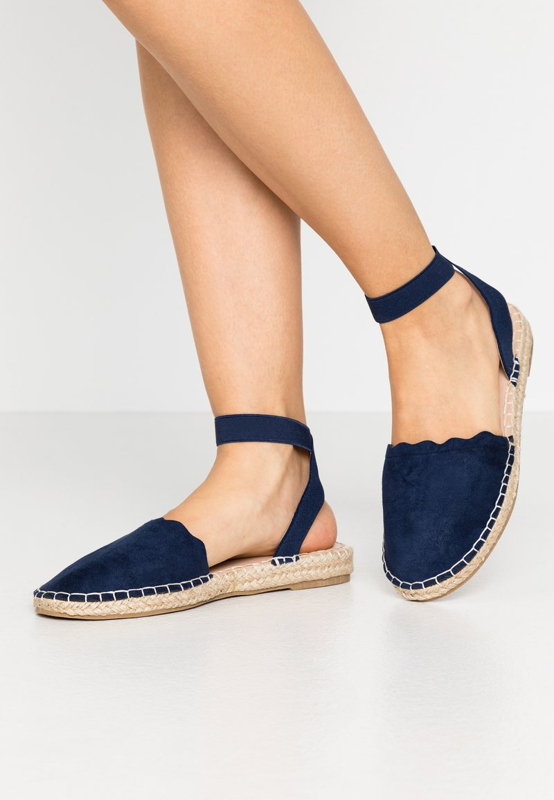 Dorothy Perkins - COURTNEY ELASTIC BACK SCALLOP - Espadrilky - navy