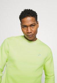 Nike Sportswear - Sweatshirt - liquid lime - 3