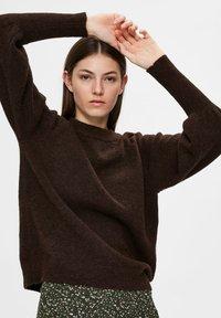 Selected Femme - Sweatshirt - coffee bean - 4