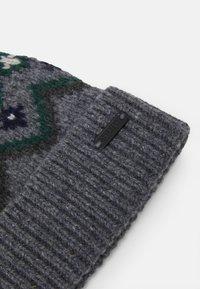 Belstaff - FAIRISLE HAT UNISEX - Czapka - grey/navy/green - 4