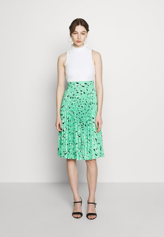 PLEATED DRESS - Korte jurk - green