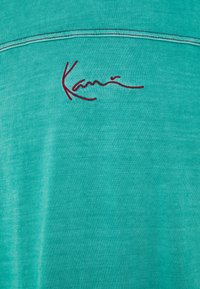 Karl Kani - SMALL SIGNATURE WASHED TEE UNISEX  - Print T-shirt - turquoise - 2