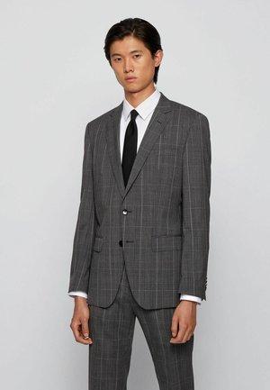Suit - open grey