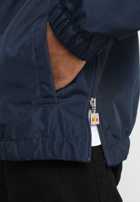 Ellesse - MONT - Windbreaker - dress blues - 5