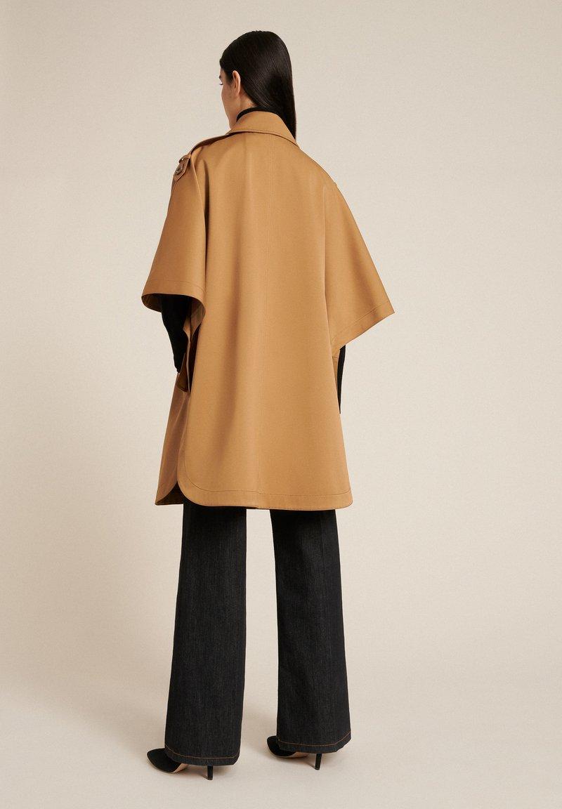 Luisa Spagnoli - SERENA - Short coat - cammello