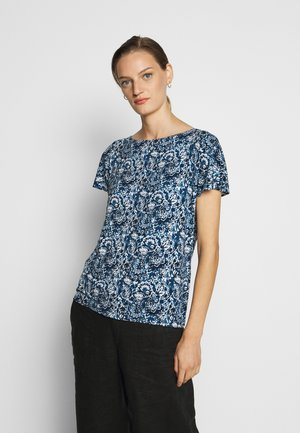 T-shirts med print - blue multi
