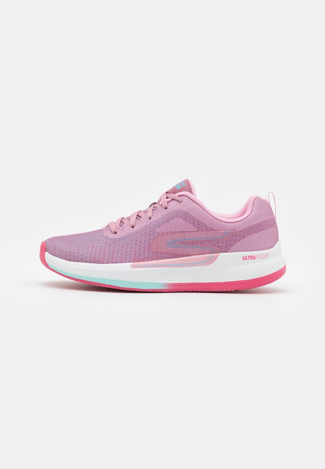 GO RUN PULSE - Neutral running shoes - mauve/multicolor
