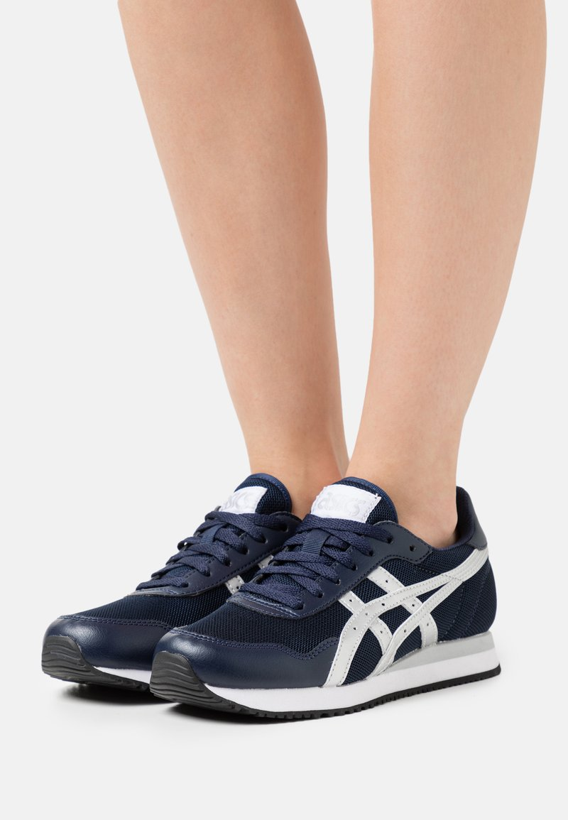 ASICS SportStyle - TIGER RUNNER - Trainers - midnight/pure silver