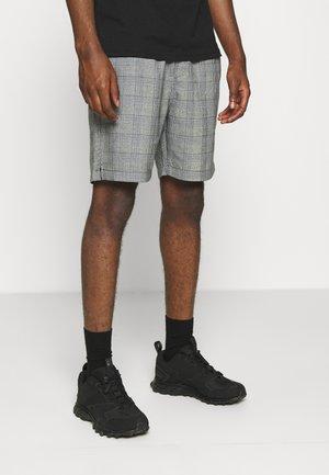 SPENCER - Shorts - black/white