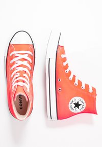 Converse - CHUCK TAYLOR ALL STAR SEASONAL - High-top trainers - bright crimson - 3