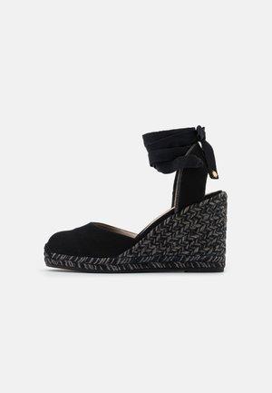 MARGUERITA - Sandály na platformě - black